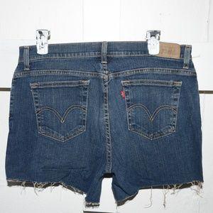 Levi's wpmens cut off shorts size 14 -402